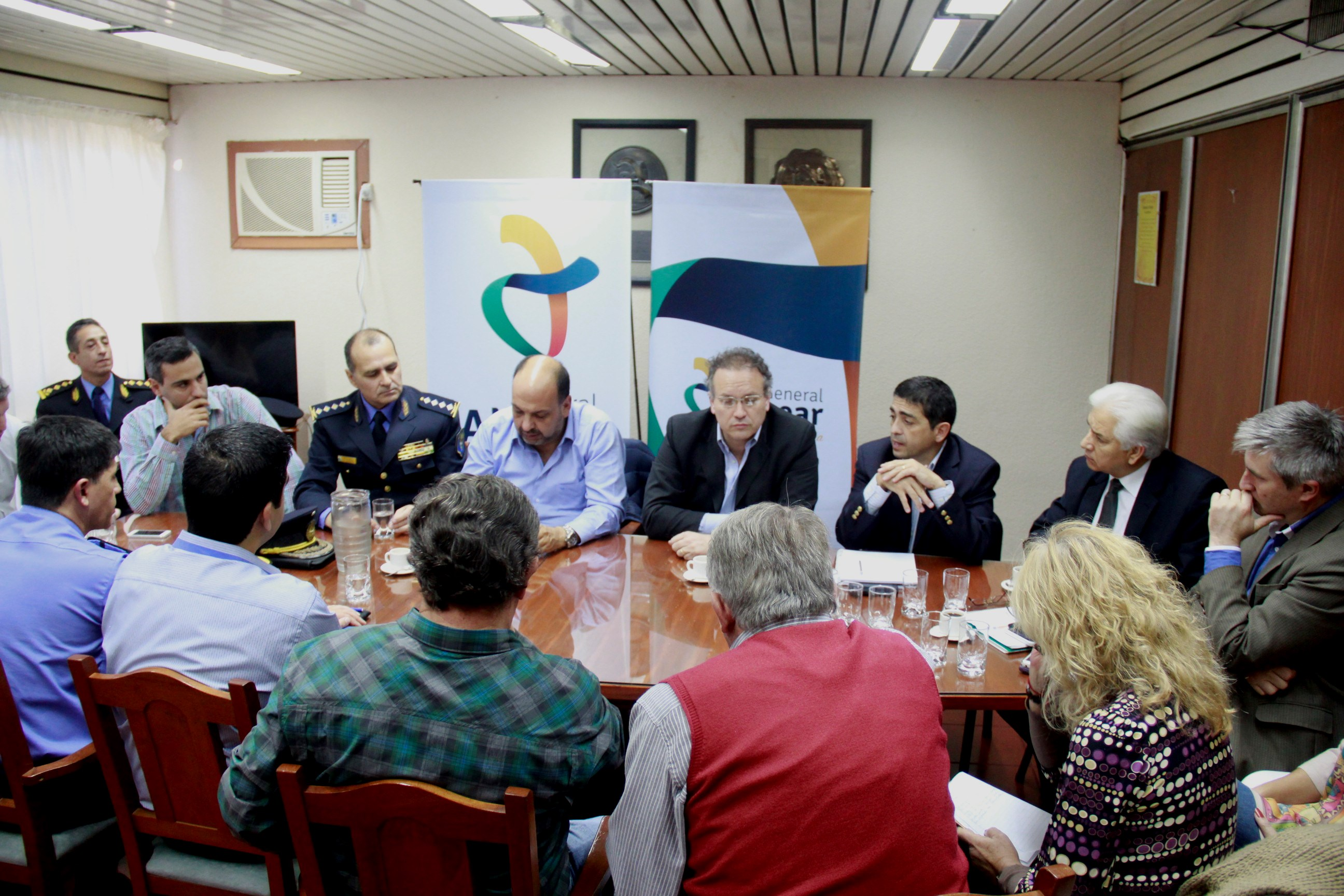 El Ministro de Seguridad Gianni Venier se reunió con las Autoridades de Alvear