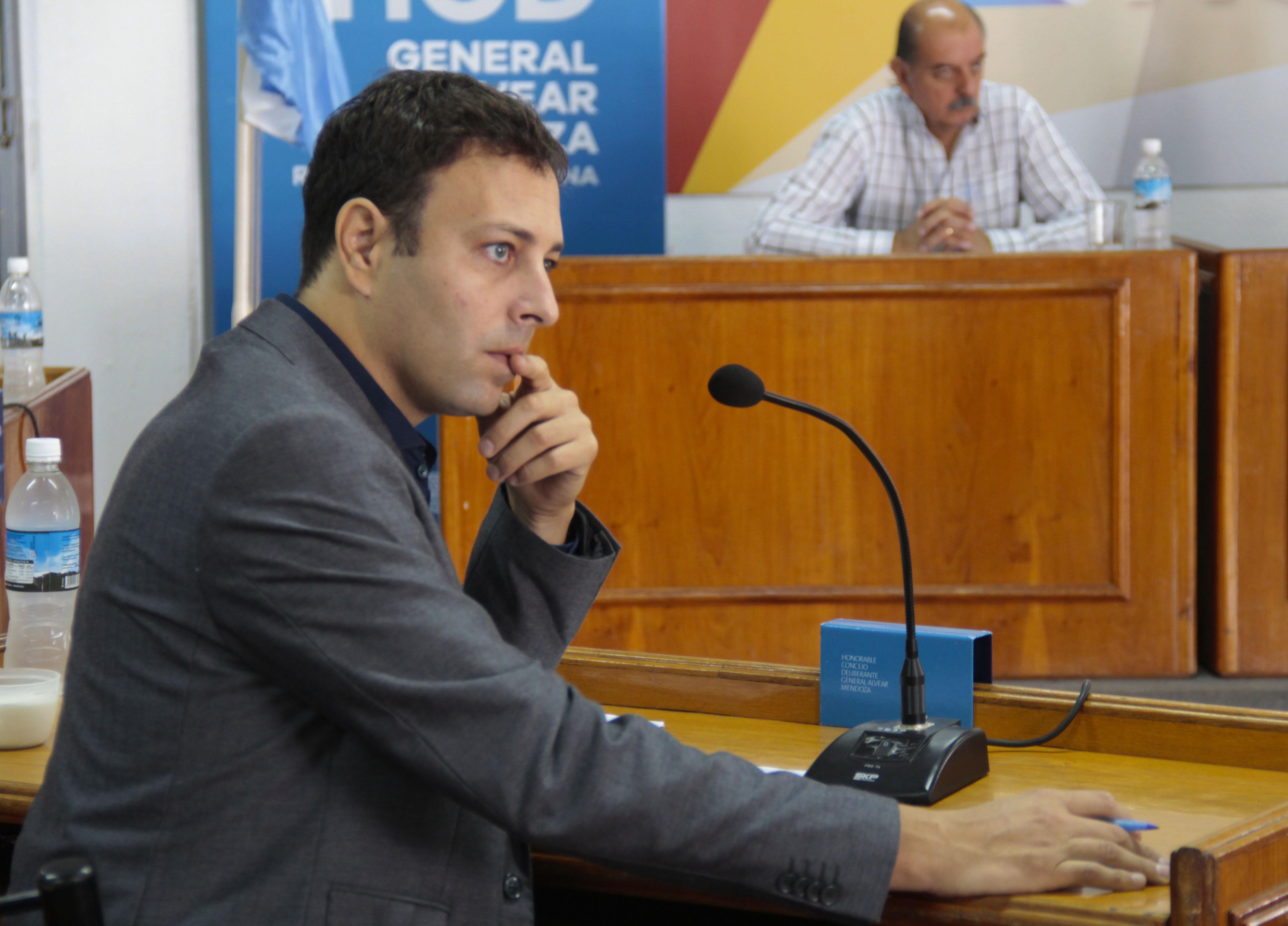 EL CONCEJAL MARTINEZ BARÓN VISITÓ LA DIRECCIÓN NACIONAL DE TIERRAS