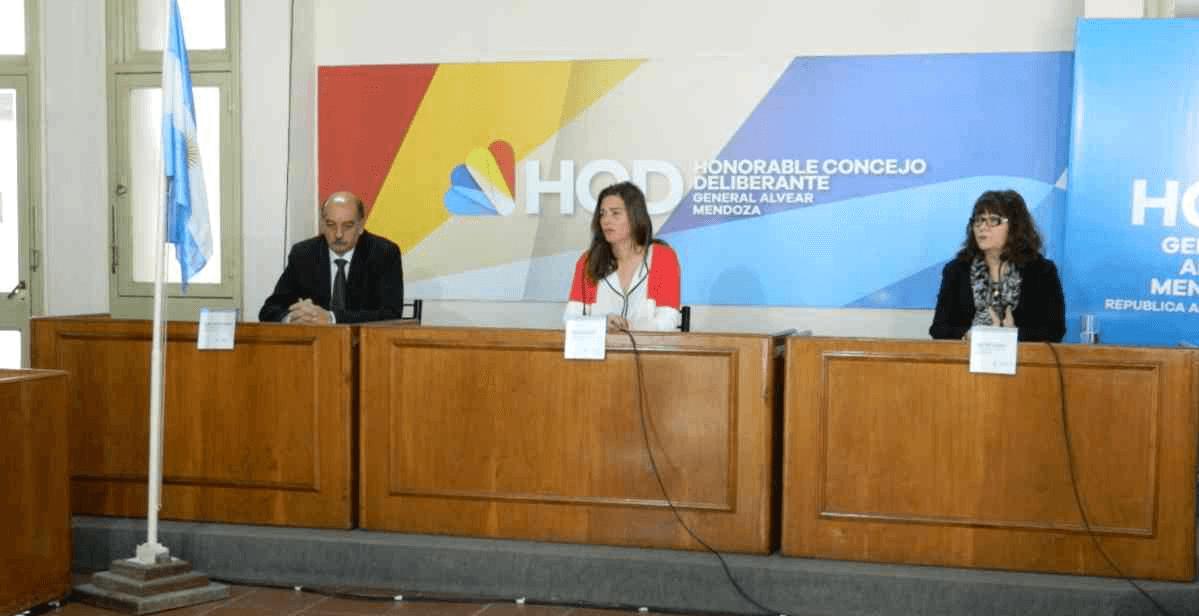 Se trató y aprobó el Proyecto Hub Logístico y Aeropuerto de Cargas.